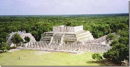 Temple des guerriers tolteques-Mexique